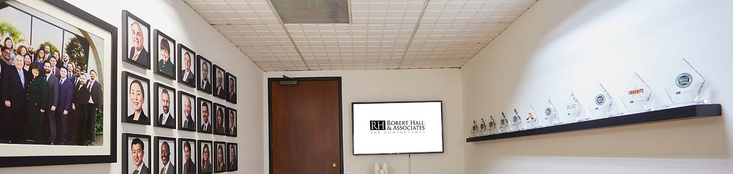 waiting room at Robert Hall Associates Tax Consultants in Glendale CA