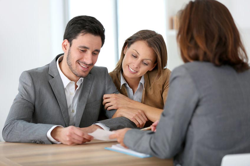 Couple meeting with Burbank CPA tax professional